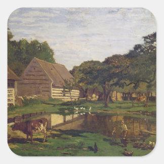 Claude Monet | ein Hof in Normandie Quadratischer Aufkleber