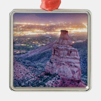 Colorado-Unabhängigkeits-Monument-und Quadratisches Silberfarbenes Ornament