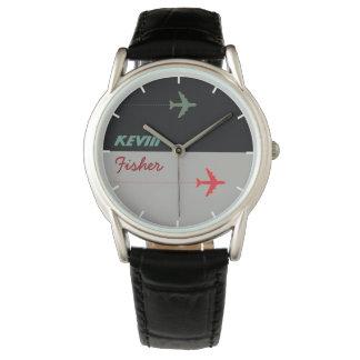 coole stilvolle Mannuhr der Luftart mit seinem Uhr