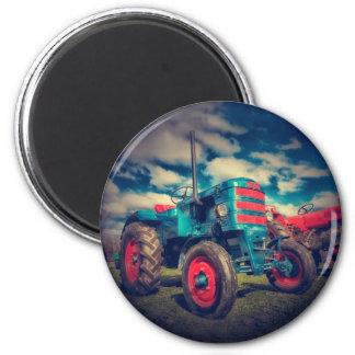 Cooler blaues Rot-Vintager Traktor Runder Magnet 5,7 Cm