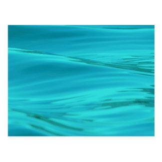 Cooles Aqua-blaue Sommer-Wasser-Kräuselungen Postkarte