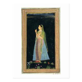 Dame, die eine Blüte, vom kleinen Clive Album hält Postkarte