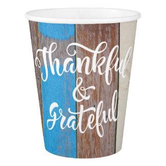 Dankbare u. dankbare Barnyard-Holz-Danksagung Pappbecher