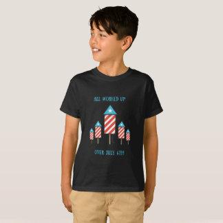 Das Feuerwerk-Shirt USA-Wortspiel des Kindes am 4. T-Shirt