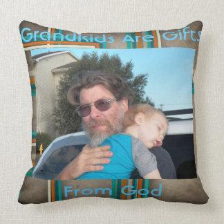 Das Foto-Kissen des Großvaters Kissen