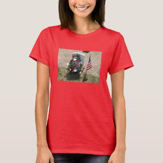 Das Grab des Soldaten T-Shirt