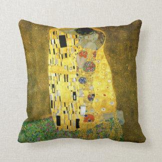 Das Kuss ~ Gustav Klimt Kissen
