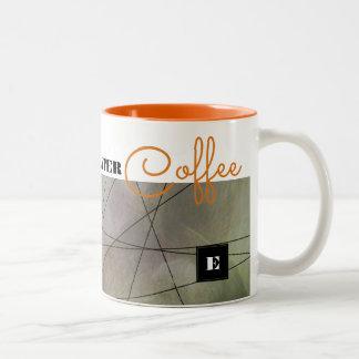 Das Leben fängt nach Kaffee an. Kundenspezifische Zweifarbige Tasse