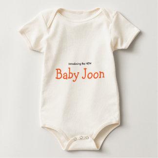 das neue Baby Joon Baby Strampler