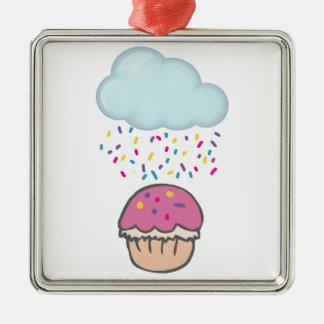 Das Regnen besprüht auf kleinem Kuchen Silbernes Ornament