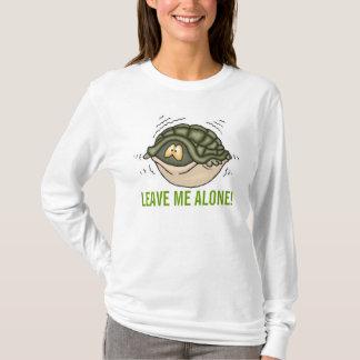 das Verstecken in der Muschel in der Schildkröte T-Shirt
