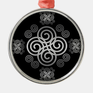 Dekorativer keltischer Entwurf Silbernes Ornament