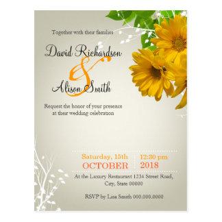 Delicate Wedding Invitation with yellow Daisies Postkarte