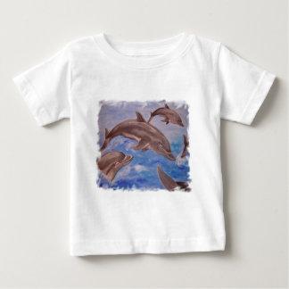 Delphin hohe fünf baby t-shirt