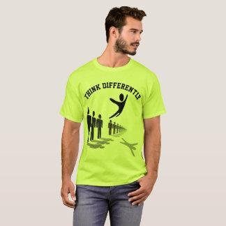 Denken Sie anders als T-Shirt