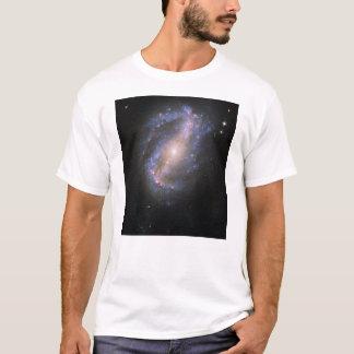 Der abgehaltene Spiralarm NGC 6217 T-Shirt
