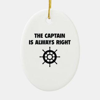 Der Kapitän Is Always Right Ovales Keramik Ornament