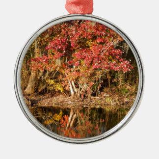 Der rote Baum am Sonnenuntergang Silbernes Ornament