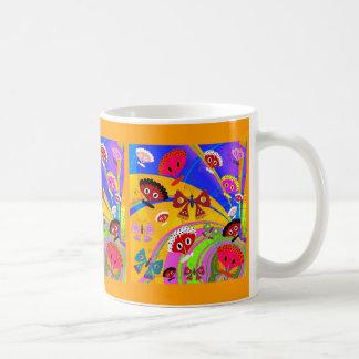 Der Schmetterlings-Collage des Tasse