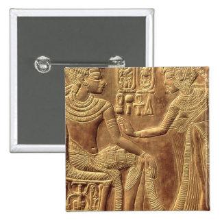 Detail vom goldenen Schrein von Tutankhamun Quadratischer Button 5,1 Cm