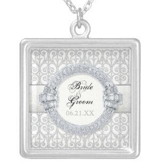 Diamanten u. Spitze, Monogramm-Hochzeits-Bräute Halskette Mit Quadratischem Anhänger
