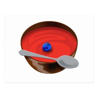 Die Blaubeere in einer Schüssel Tomate-Suppe - Postkarte