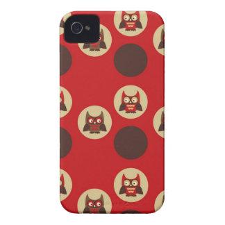 Die coole retro Eule u. Kreise, die rot sind und Case-Mate iPhone 4 Hüllen