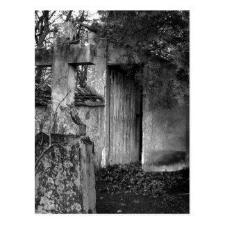 Die Halle im Friedhof in Schwarzweiss Postkarte