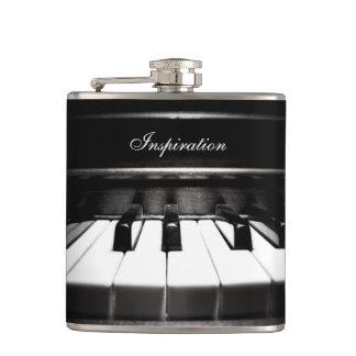 Die Inspirations-Klavier-personalisierte Flasche Flachmann