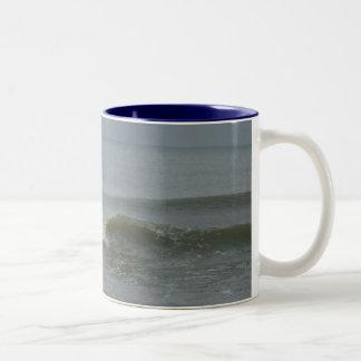 Die Küste Zweifarbige Tasse