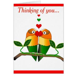 Die Liebe-Vögel, die an Sie denken, kardieren Grußkarte