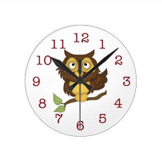Die niedliche Wand-Uhr des Eulen-Kindes Runde Wanduhr