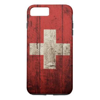 Die Schweiz-Flagge auf altem hölzernem Korn iPhone 8 Plus/7 Plus Hülle