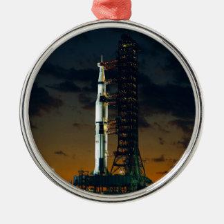 Die Weltraumrakete Saturns V NASA Rundes Silberfarbenes Ornament