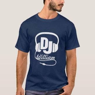 DJ-Namenskopfhörerweiß auf dunklem grafischem T - T-Shirt