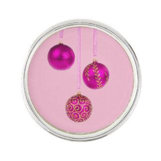 Drei rosa Weihnachtsbälle Anstecknadel