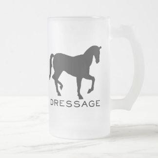 Dressage mit Pferd im Rahmen Mattglas Bierglas