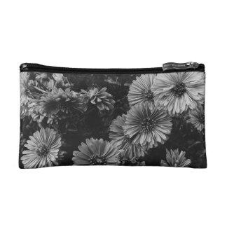 Dunkle Blumen Makeup-Tasche