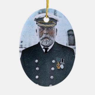 Effektivwert titanischer Kapitän Edward J. Smith Ovales Keramik Ornament