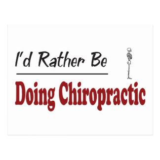 Eher tut Chiropraktik Postkarte