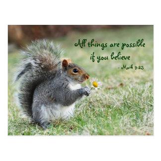 Eichhörnchen mit Gänseblümchen-Kennzeichen-9:23 Postkarte