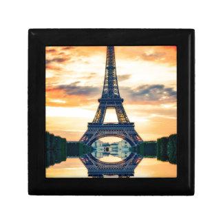 Eiffel-Turm-Paris-Abends-europäische Reise Erinnerungskiste