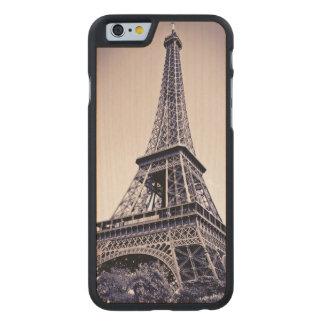 Eiffelturm, Paris, Frankreich Carved® iPhone 6 Hülle Ahorn