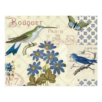 Ein Blumenstrauß der blauen Blumen, der Vögel und Postkarten