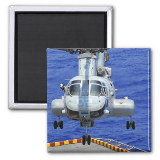 Ein CH-46E Seeritterhubschrauber Quadratischer Magnet