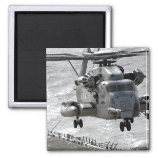 Ein CH-53E Superstallionshubschrauber Quadratischer Magnet