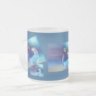 Ein Glas des Getränks Matte Glastasse