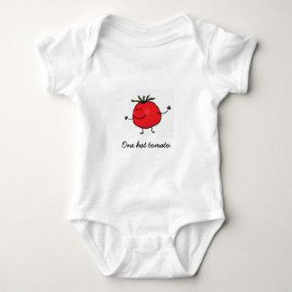 Ein heißer Tomate-Baby-Bodysuit Babybody