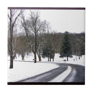 Ein kalter Winter-Nachmittags-Antrieb Kleine Quadratische Fliese