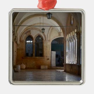 Ein ruhiges Kloster-Kloster in Dubrovnik Silbernes Ornament